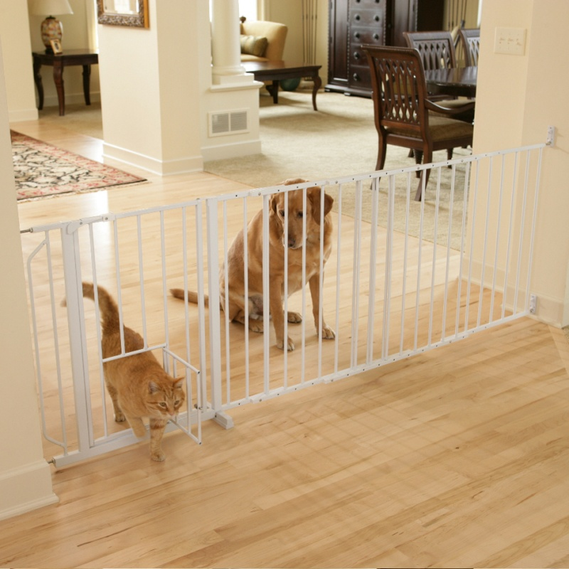 Carlson Maxi Walk Thru Gate With Pet Door Your Loved Pet Store